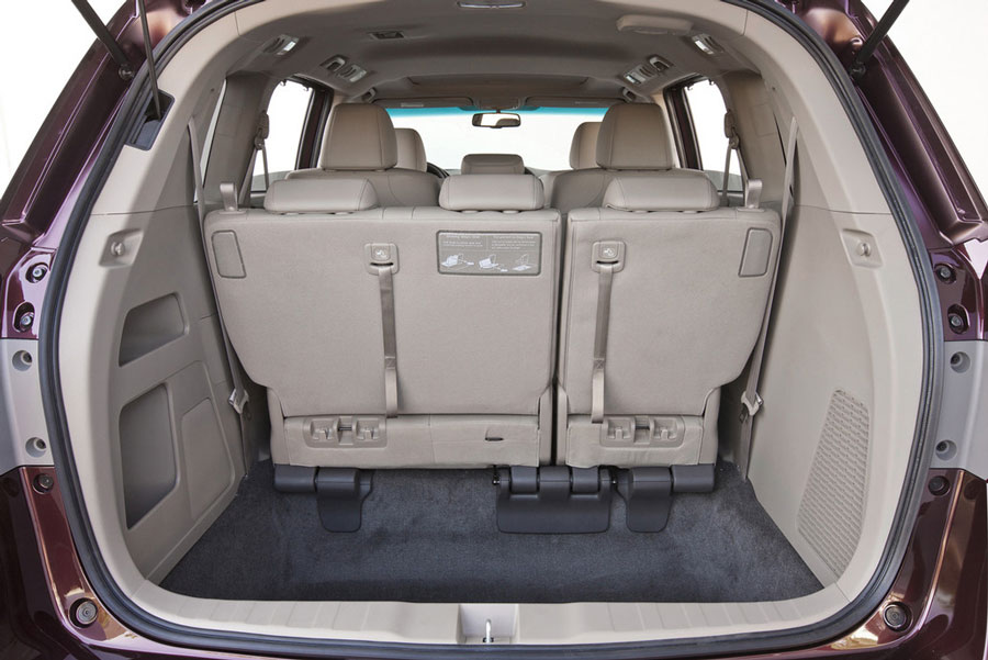 2012 Honda Odyssey cargo space from rear 149