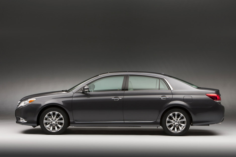 2012 toyota avalon review specs pictures price mpg. Black Bedroom Furniture Sets. Home Design Ideas