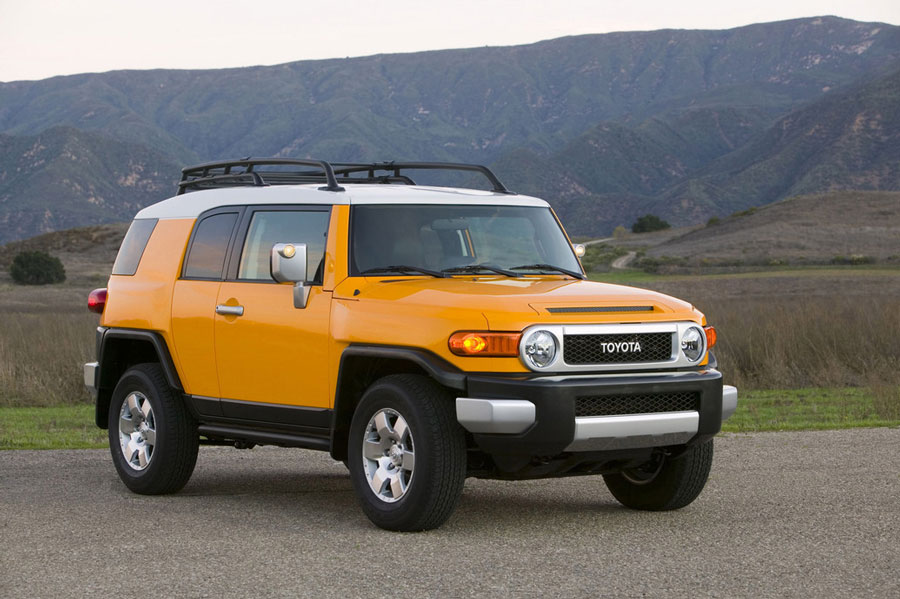 Toyota Fj Cruiser Review Specs Pictures Price Mpg