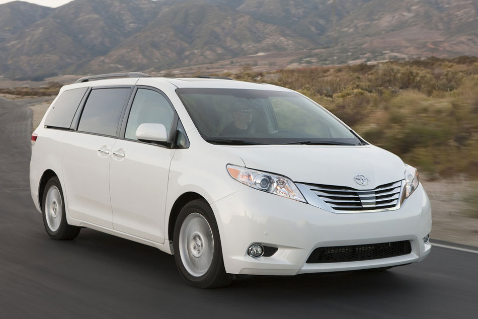 2012 toyota sienna review specs pictures price mpg. Black Bedroom Furniture Sets. Home Design Ideas