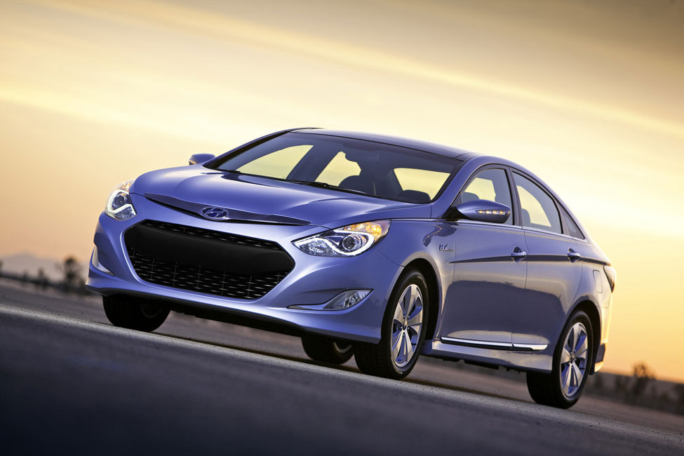 2012 hyundai sonata hybrid review specs pictures price mpg. Black Bedroom Furniture Sets. Home Design Ideas