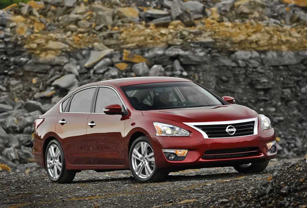 2012 nissan altima review specs pictures price mpg. Black Bedroom Furniture Sets. Home Design Ideas