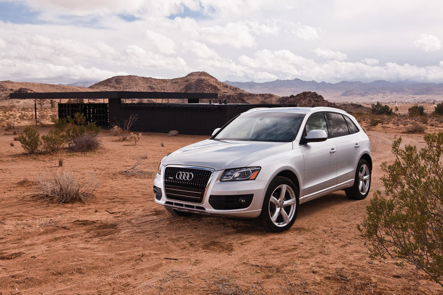 2012 audi q5 review specs pictures price mpg. Black Bedroom Furniture Sets. Home Design Ideas