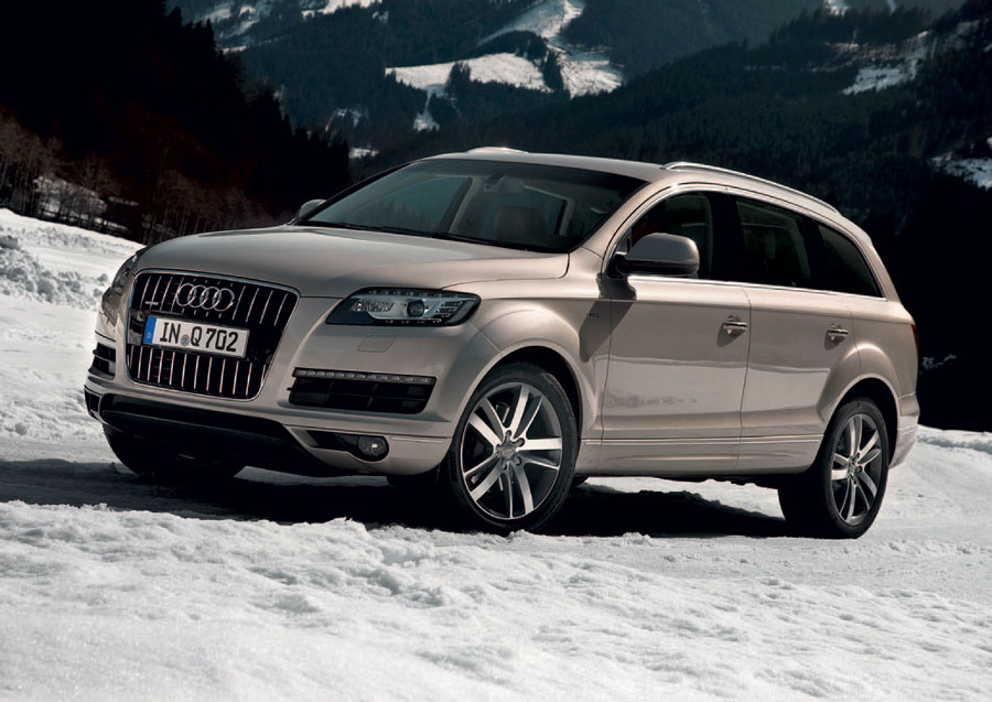 2012 audi q7 review specs pictures price mpg. Black Bedroom Furniture Sets. Home Design Ideas