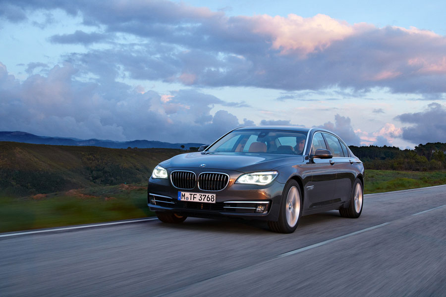 2012 bmw 7 series review specs pictures price mpg. Black Bedroom Furniture Sets. Home Design Ideas
