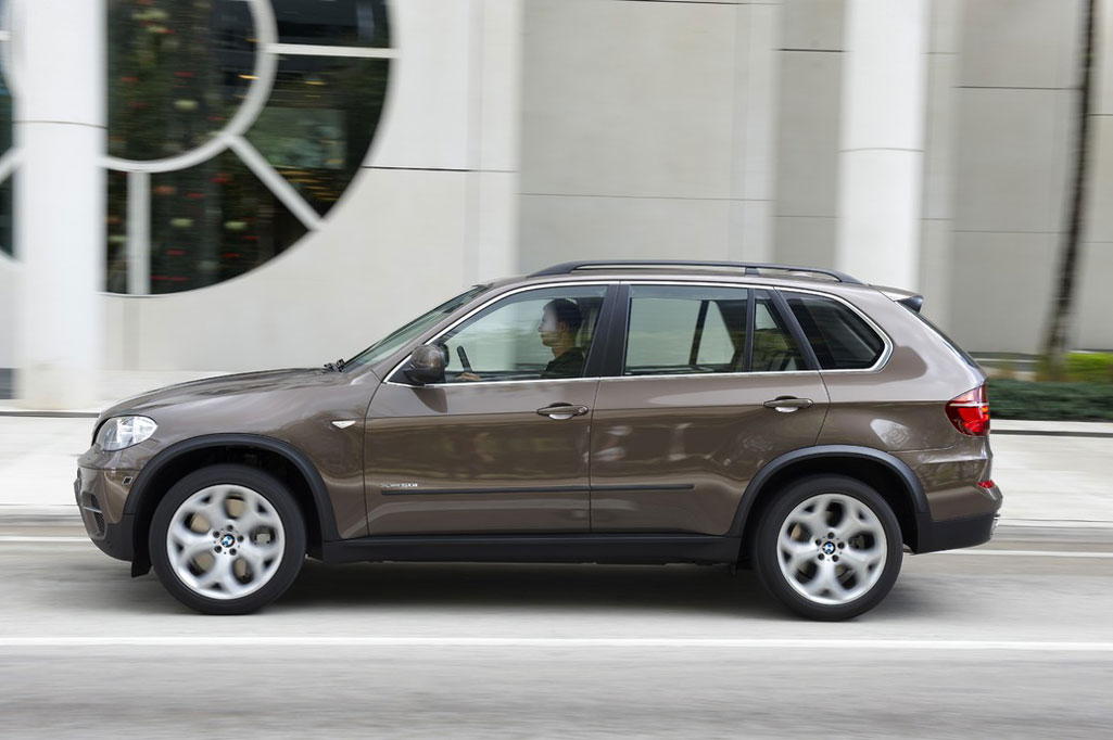 2012 bmw x5 review specs pictures price mpg. Black Bedroom Furniture Sets. Home Design Ideas
