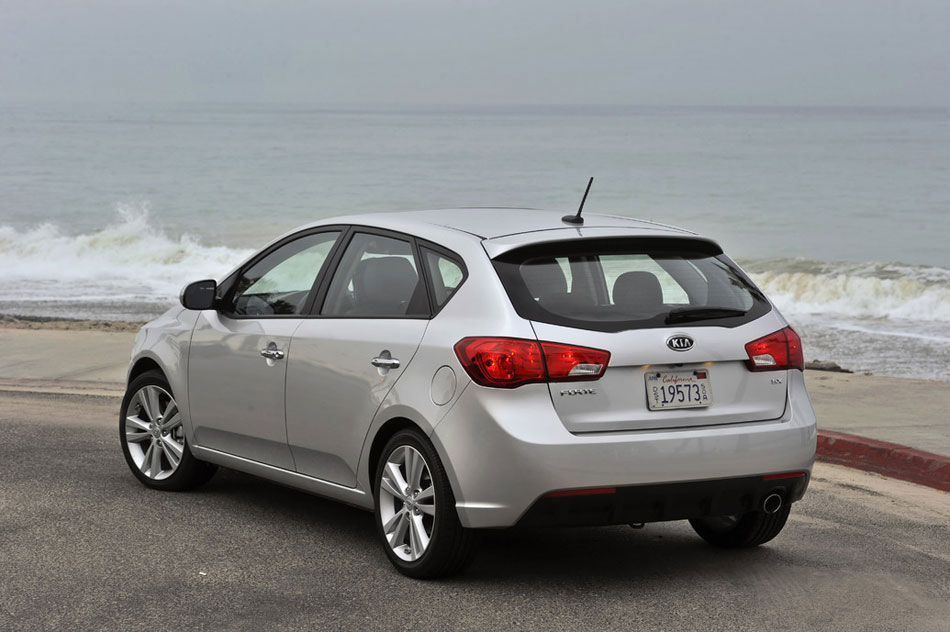 2012 kia forte review specs pictures price mpg. Black Bedroom Furniture Sets. Home Design Ideas