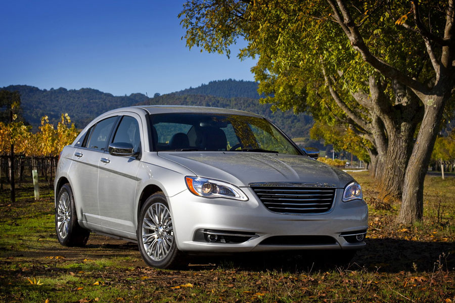 2012 chrysler 200 review specs pictures price mpg. Black Bedroom Furniture Sets. Home Design Ideas