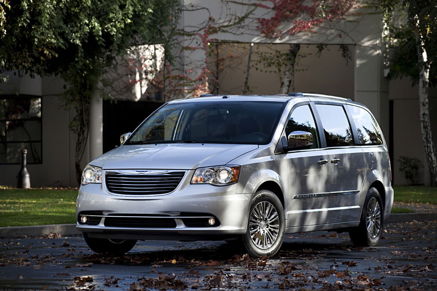 2012 chrysler town country review specs pictures price mpg. Black Bedroom Furniture Sets. Home Design Ideas