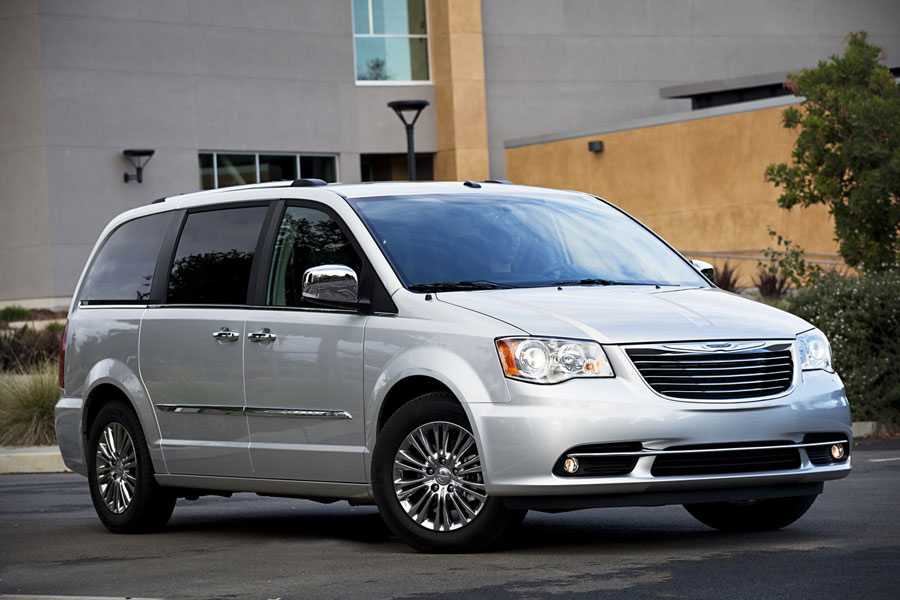 2012 chrysler town country review specs pictures. Black Bedroom Furniture Sets. Home Design Ideas