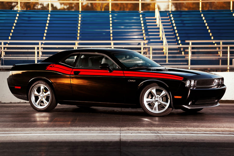 2012 dodge challenger review specs pictures price mpg. Black Bedroom Furniture Sets. Home Design Ideas