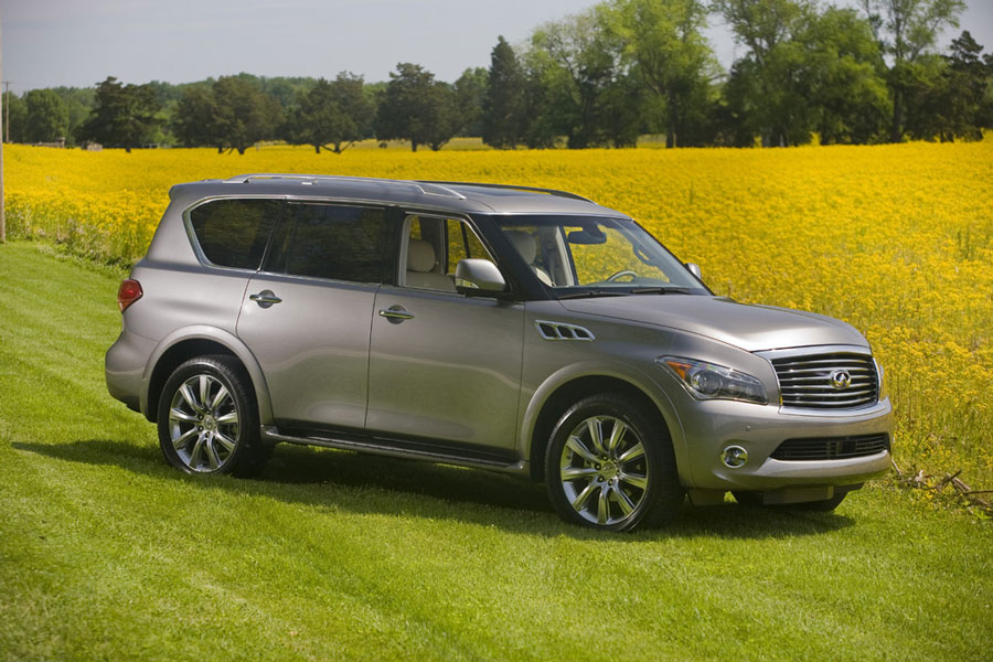 side view photo of Infiniti QX56