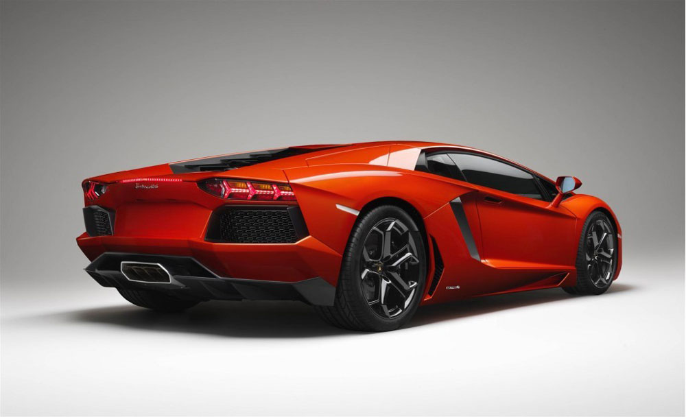 2012 lamborghini aventador review, pictures, price & 0-60 time