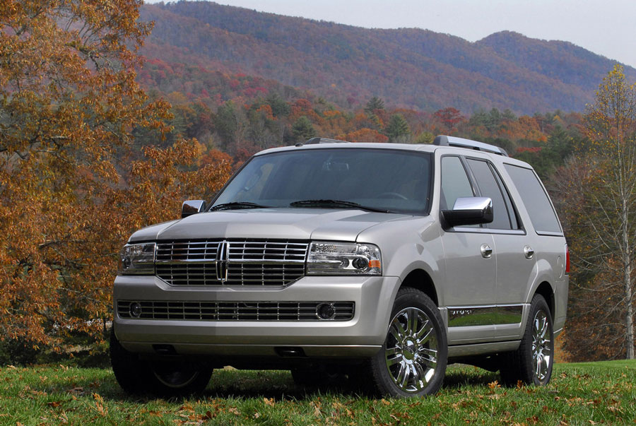 2012 lincoln navigator review specs pictures mpg price. Black Bedroom Furniture Sets. Home Design Ideas