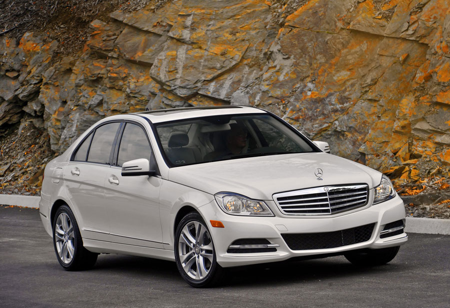 2012 mercedes benz c class review specs pictures mpg for Mercedes benz c300 horsepower