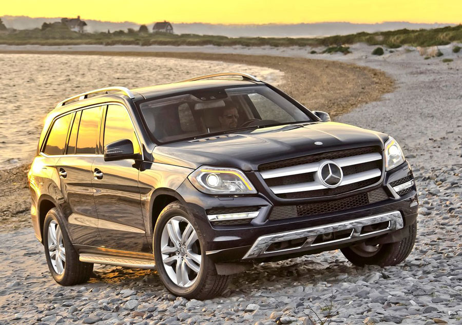 2012 mercedes benz gl class review specs pictures mpg for Mercedes benz gl 450 price