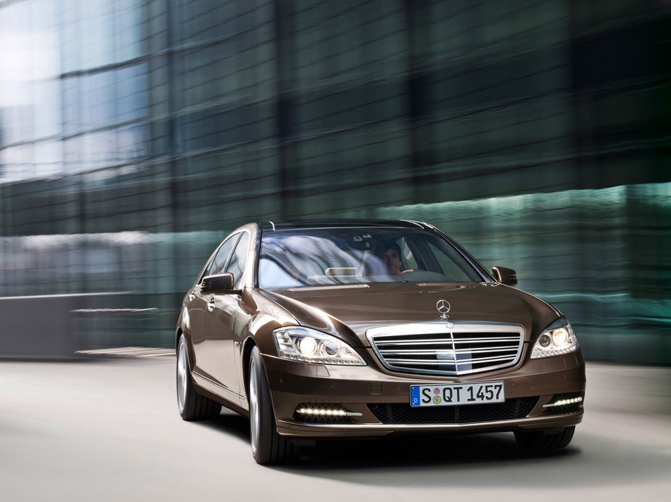 2012 mercedes benz s class review specs pictures mpg for Mercedes benz 2012 price