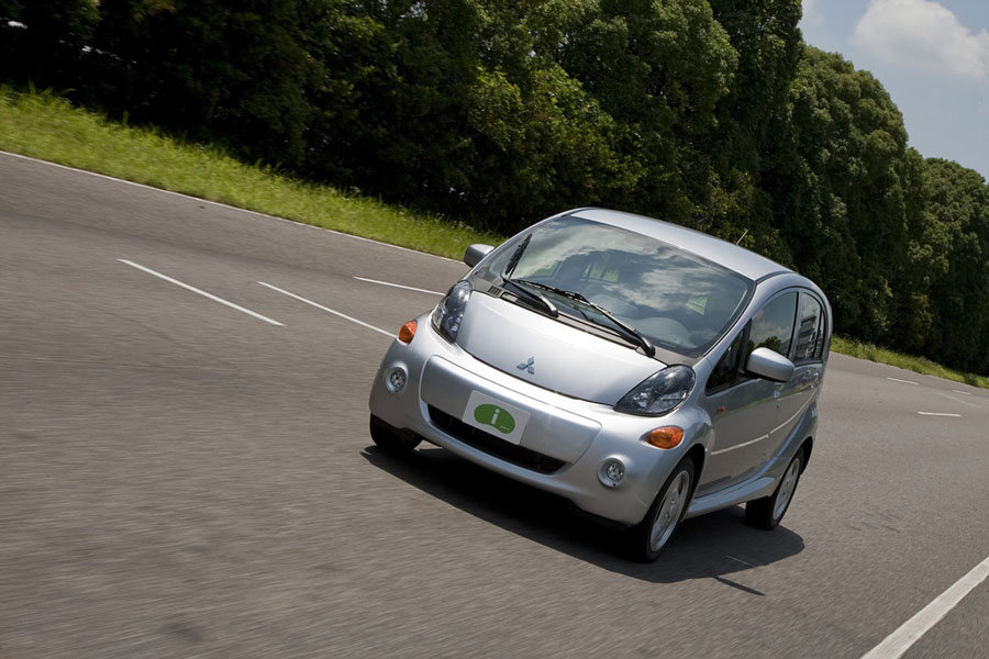Fast Cars Under 30K >> 2012 Mitsubishi i-MiEV Review, Specs, Pictures, MPG & Price