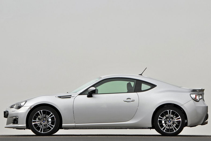 2013 subaru brz review specs pictures mpg price 0 60 time. Black Bedroom Furniture Sets. Home Design Ideas