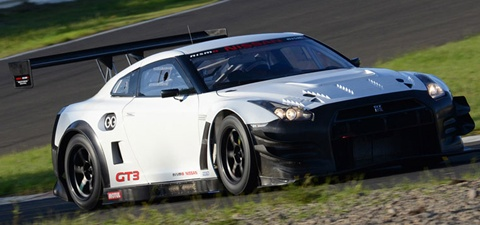 Nissan-GT-R-Nismo-GT3-at-the-turn A