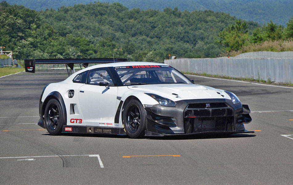 2013 nissan gt r nismo gt3 review specs pictures. Black Bedroom Furniture Sets. Home Design Ideas