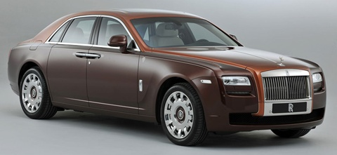 Rolls-Royce-One-Thousand-and-One-Nights-Ghost-Collection-from-the-right-side A