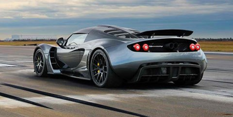 2013-Hennessey-Venom-GT-300-kph-and-gone C