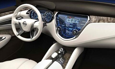 2013-Nissan-Resonance-Concept-cockpit D
