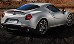 2013-Alfa-Romeo-4C-Launch-Edition-getting-out 3