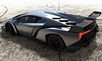 2013-Lamborghini-Veneno-on-the-tarmac 3