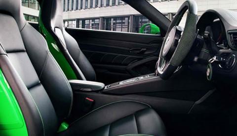 2013-TechArt-Porsche-911-Carrera-4S-rightside-driving D