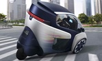 2013-Toyota-i-Road-Concept-balance 3