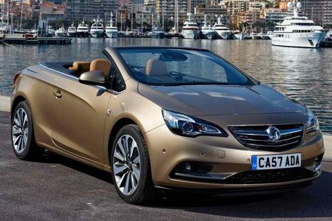 2013-Vauxhall-Cascada-at-the-pier-A