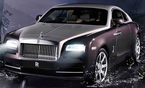 2014-Rolls-Royce-Wraith-in-the-rain A