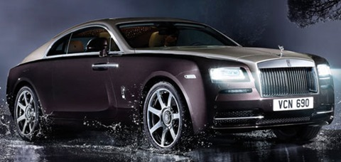 2014-Rolls-Royce-Wraith-moving-stealthily AA