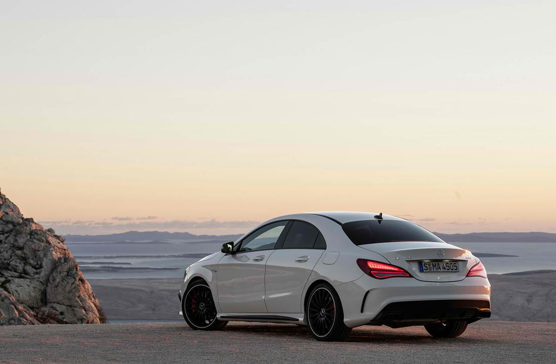 2013 mercedes benz cla 45 amg review specs pictures 0 60 time. Black Bedroom Furniture Sets. Home Design Ideas