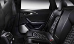 2014-Audi-RS6-rear-seating 3
