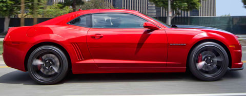 2014-Chevrolet-Camaro-SS-last-year-in-the-city-B