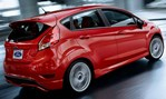 2014-Ford-Fiesta-ST-zooming 3