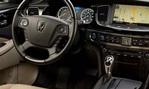 2014-Hyundai-Equus-at-the-park 1