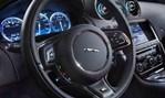 2014-Jaguar-XJR-cockpit 1