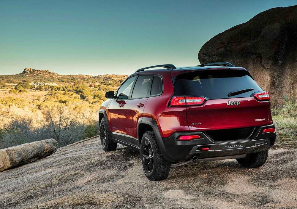2014 jeep cherokee review specs pictures mpg. Cars Review. Best American Auto & Cars Review