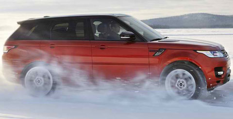 2014-Land-Rover-Range-Rover-Sport-in-the-snow-B
