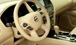 2014-Nissan-Pathfinder-Hybrid-steering-wheel 1