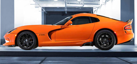 2014-SRT-Viper-TA-hiding-out-B