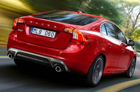 2014-Volvo-S60-R-Design-outdoors-C