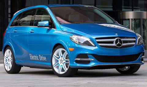 2015-Mercedes-Benz-B-Class-Electric-Drive-downtown-A