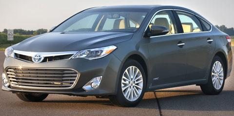 2013-Toyota-Avalon-Hybrid-is-that-80mph-B