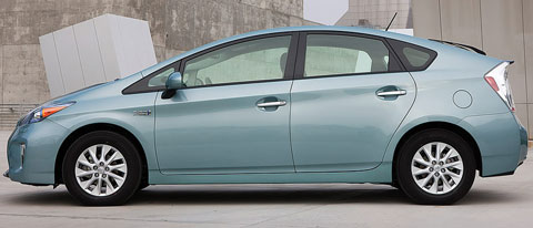 2013-Toyota-Prius-Plug-in-Hybrid-outer-wall-B