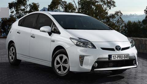 2013-toyota-prius-plug-in-hybrid